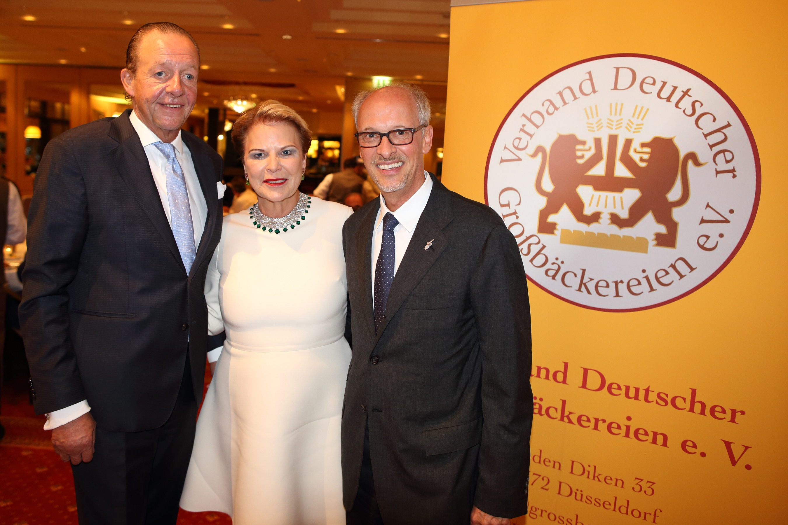 Das wiedergewählte Präsidium des Verbandes Deutscher Großbäckereien e.V.. Bildnachweis BJ Dirk Waclawek 2019